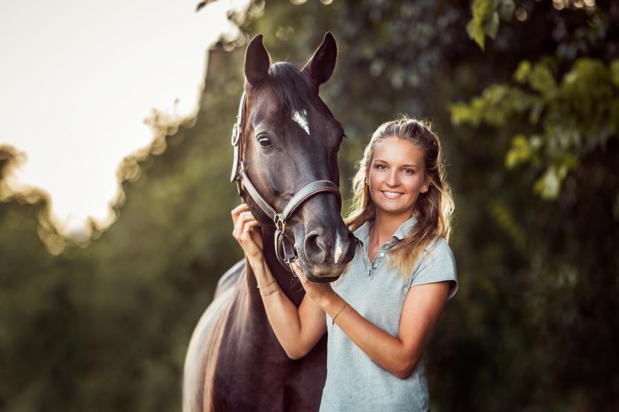 frauen pferde beziehung
